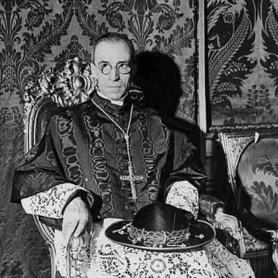 El Cardenal Eugenio Pacelli (luego Pío XII), Caballero y Bailío Gran Cruz de la Orden Constantiniana