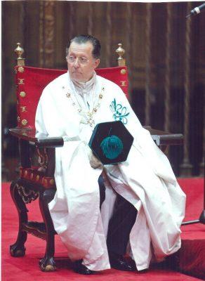 Don Carlos con el hábito de Comendador Mayor de la Orden de Alcántara y las insignias de Presidente del Real Consejo de las Órdenes Militares Españolas