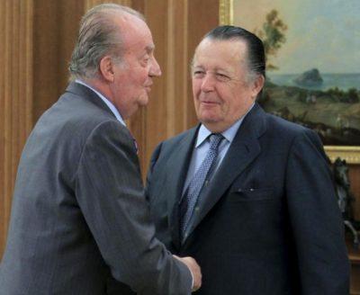 Don Carlos junto a su primo el rey D. Juan Carlos I de España, quién es Bailío Gran Cruz de Justicia, con Collar, de la Orden Constantiniana